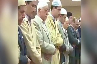 Gülen'in şoke eden namaz videosu