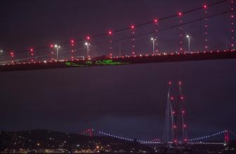 Greenpeace'in efsane gemisi Rainbow Worrior, İstanbul Boğazı'nda!
