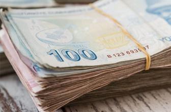 ATM'de buldukları parayı polise verdiler