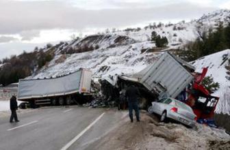 11 araç birbirine girdi! 18 kişi hastaneye kaldırıldı