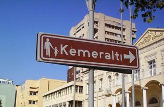 İzmir'de 150 yıllık tarihi bina çöktü!