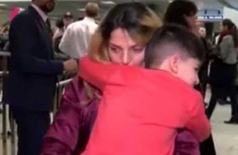 Trump yasağı sonrası 5 yaşındaki Müslüman çocuğa kelepçe