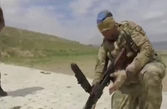 Gözü bağlı Türk askeri iki dakikada makineli tüfeği söküp takıyor