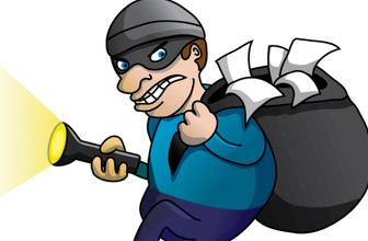 Eve girmeye çalışan hırsızlar baltayı taşa vurdu