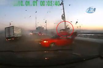 Rusya'daki kazada yolcu araçtan uçtu