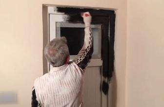 PVC kapıyı sanat eserine dönüştürdü