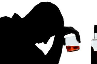 Alkol alırken kırmızı et yemeyin! İçkilerin kalorisi ne kadar?
