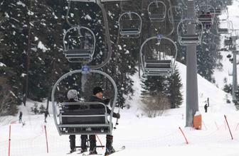 Ankaralılar Yıldıztepe'de kayak keyfini sevdi