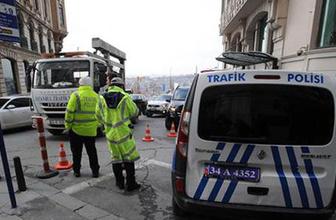 Beyoğlu'nda yoğun güvenlik önlemi! Şüpheli araçlar aranıyor