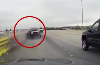 Tesla otomatik pilottayken kaza yaptı