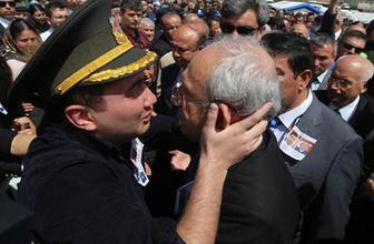 Kılıçdaroğlu'na sarıldı 'Babam bir kahramandı onu alkışlayın'