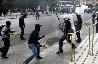 Yunanistan karıştı! Polisler Bakanlık binasını bastı!