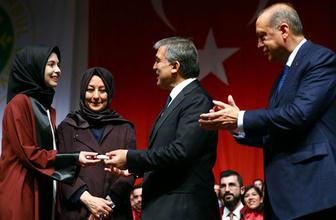 Abdullah Gül'ün diploma verdiği kız bakın kim çıktı!