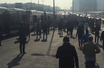 Metrobüs seferleri durdu herkes perişan