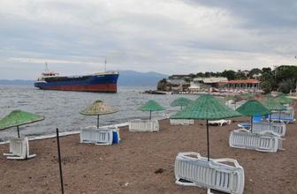 Çanakkale'de yük gemisi plaja çıktı!