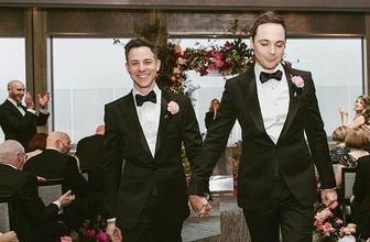 The Big Bang Theory'nin Sheldon'ı eşcinsel ilişkisini evliliğe dönüştürdü!