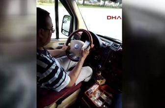 Şoförün direksiyon başında tehlikeli sosyal medya tutkusu