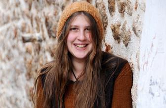 Rakka'da öldü denmişti! Kırmızı fularlı PKK'lı kız gerçeği!