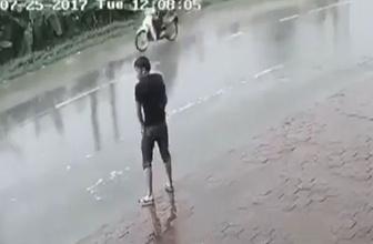 Yolun ortasına tuvaletini yapan adamın hazin sonu