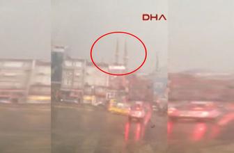 Çifte minarenin yıkıldığı an kamerada