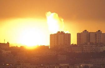 İsrail dehşet saçtı! Gazze'yi vurduğu o görüntüler