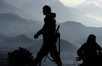Siirt'te iki ilçede yollar kapataldı