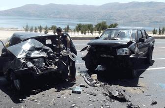 Elazığ'da feci kaza ölenler ve yaralılar var