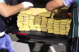 Çekici üstündeki cipin bagajından 42 kilo eroin çıktı