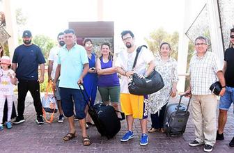 Gittiklerine pişman oldular: Tatilciler otel kapısında kaldı!