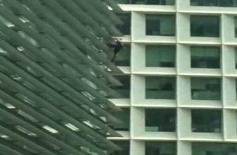 Güvenlik kiti olmadan binaya tırmandı