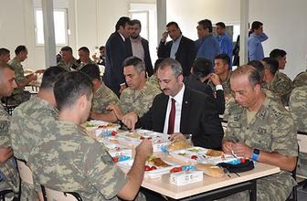 Adalet Bakanı Gül'den sınır karakoluna ziyaret