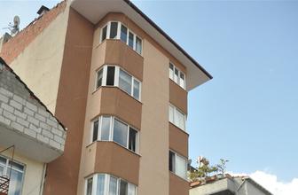 Kocaeli'de 2. kattan düşen çocuk yaralandı