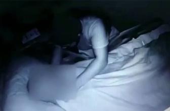 Bakıcı dehşeti kamerada: Tokatladı, boğazına sarıldı!