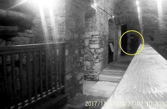 Hapishanede dolaşan esrarengiz hayalet şoke etti!
