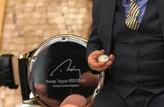 Kolunda Erdoğan'ın cebinde Bahçeli'nin saati AK Partili o isim