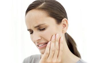 Üst dişlerdeki enfeksiyonlar sinüzite neden olabilir