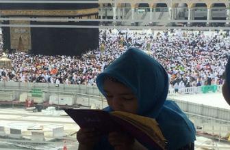 Kabe'de küçük kızın Erdoğan duası görenleri duygulandırdı