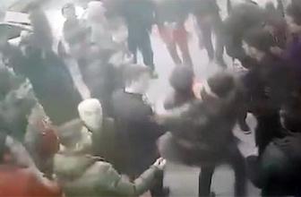 Mehmetçik'e destek için yürüyenlere ateş açıldı: Yaralılar var!