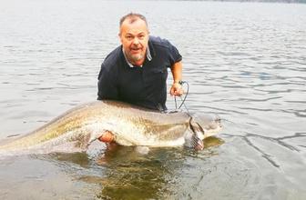 Kızılırmak'taki 1.85 metrelik balık şaşırttı