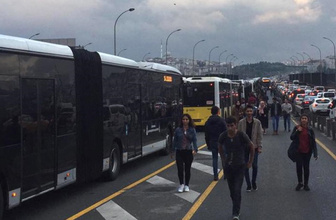 İstanbullunun metrobüs çilesi yine arıza çıktı