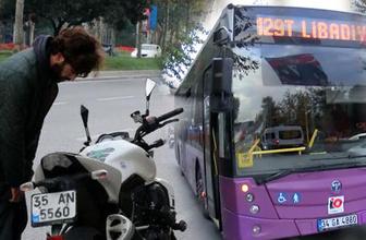 Trafikte feci kavga! Motosiklet sürücüsü otobüsün camlarını kırdı