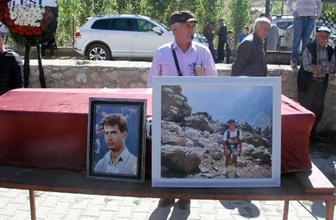 Alpler'de 26 yıl sonra cesedi bulunan Türk dağcı, Kayseri'de toprağa verildi