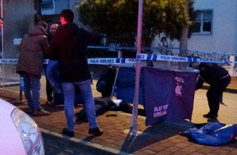 Uzaklaştırması olan koca otobüs durağında dehşet saçtı