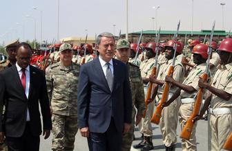 Milli Savunma Bakanı Hulusi Akar Somali'de mesaj verdi