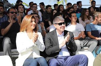 Başkan Türel ve eşi Ebru Türel'den lise öğrencilerine yunus gösterisi