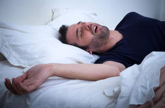 Sabahları yorgun uyanıyorsanız ağzınız kurumuşsa bakın sebebi ne