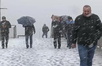 İstanbul trafiğinde kar yağışı yoğunluğu