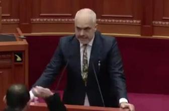 Milletvekilinden başbakana yumurtalı saldırı