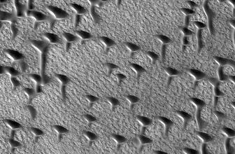 Mars'tan çok ilginç görüntü T ve V harflerine benziyor
