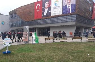 Çukurova Belediyesi'nde silahlı saldırı 3 yaralı bir ölü var